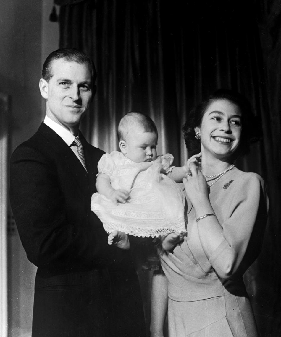Princ Philip a princezna Alžběta s malým Chyrlesem