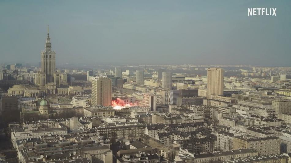 Seriál 1983 se odvíjí od fiktivních útoků ve Varšavě
