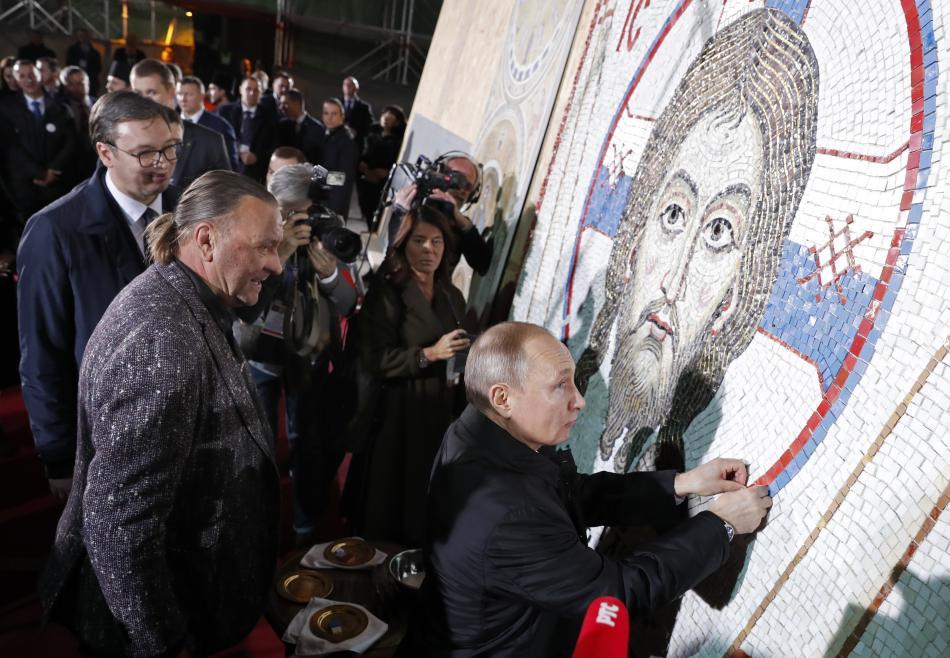 Putin na návštěvě chrámu svatého Sávy