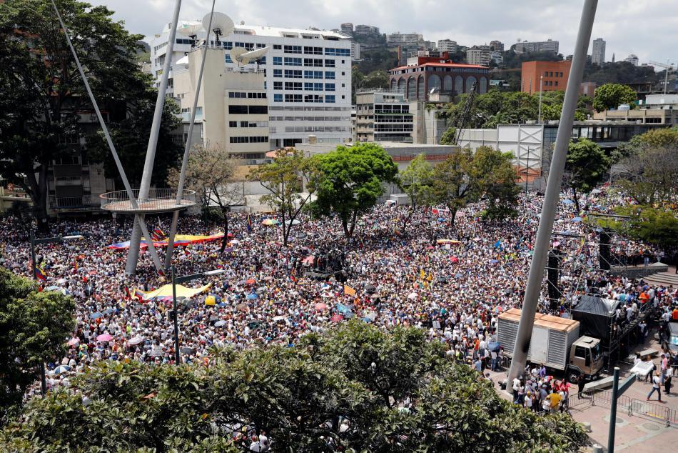 Příznivci Juana Guaidóa v centru Caracasu