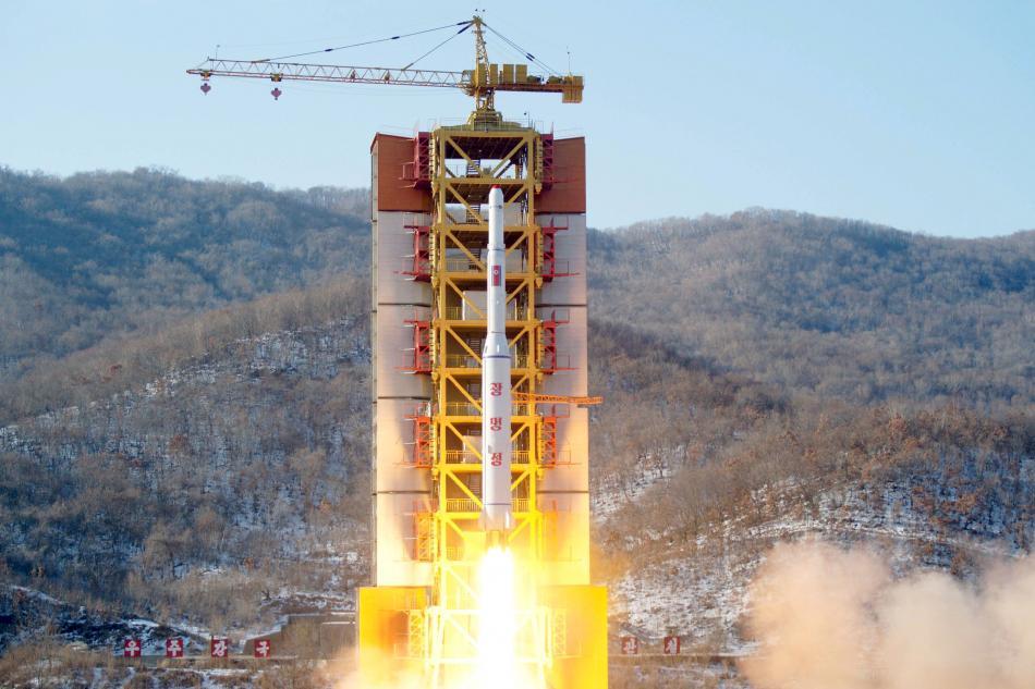 Test severokorejské rakety dlouhého doletu na střelnici Soha (únor 2016)