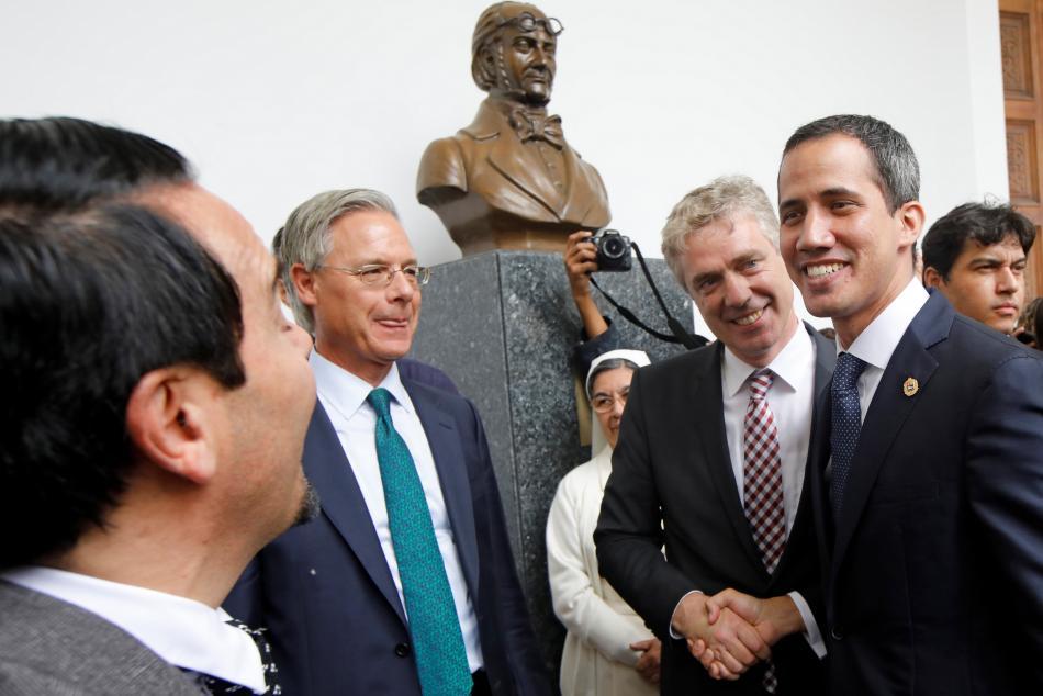 Velvyslanec Kriener a opoziční vůdce Guaidó na únorovém setkání s diplomaty zemí EU