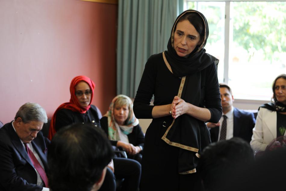 Novozélandská premiérka Jacinda Ardernová navštívila po útoku muslimskou komunitu