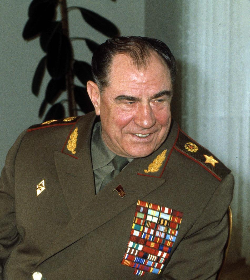 Dmitrij Jazov na snímku z roku 1987