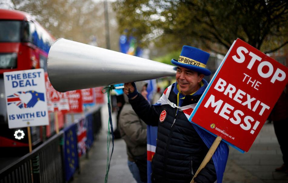 Britové mají brexitové nejistoty plné zuby