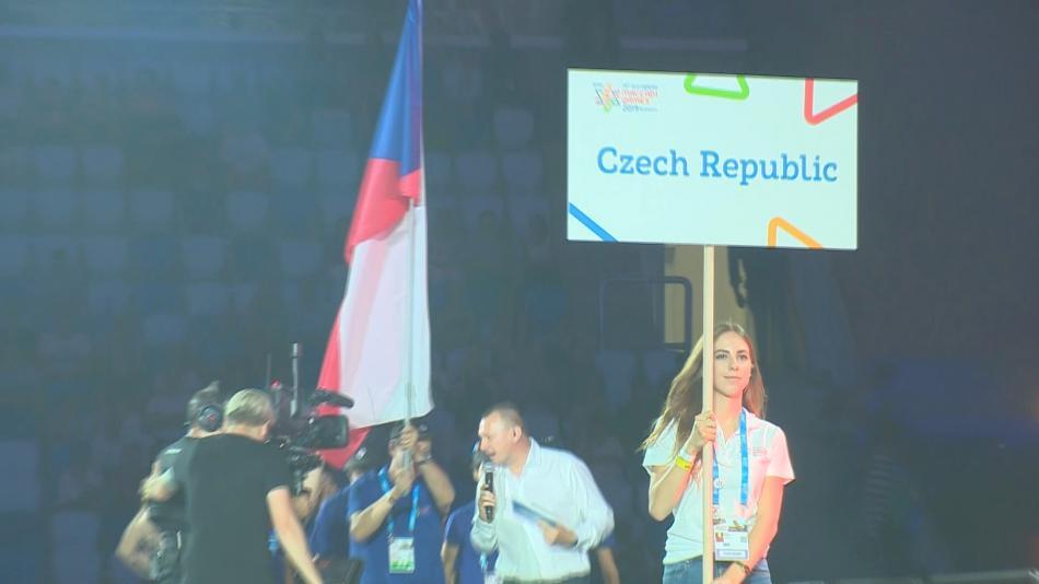 Nástup české výpravy při zahájení makabejských her