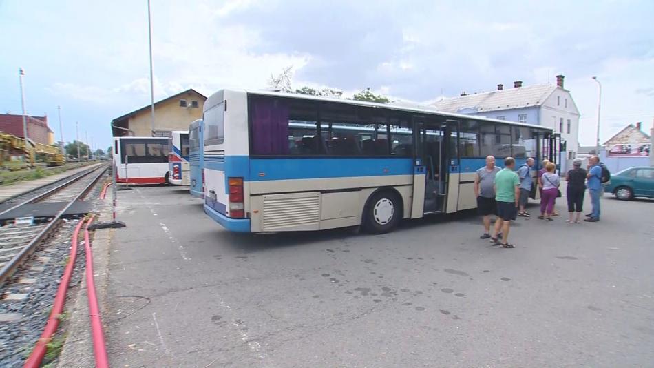 Dopravu mezi Uničovem a Šternberkem zajišťují autobusy
