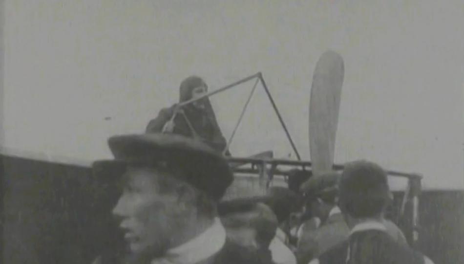 Louis Blériot před svým letem přes kanál La Manche