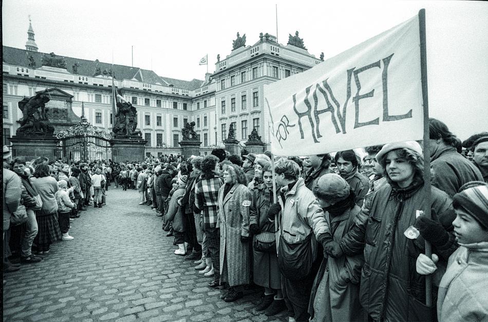 Fotografie Evžena Janouška z publikace Byli jsme při tom