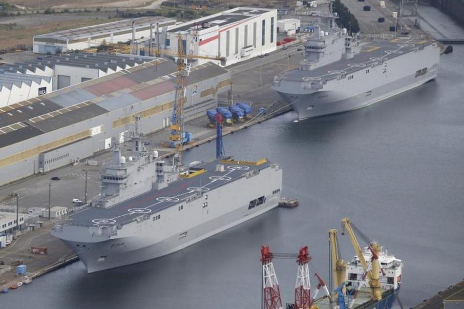 Dvojice lodí Mistral původně určených pro Rusko
