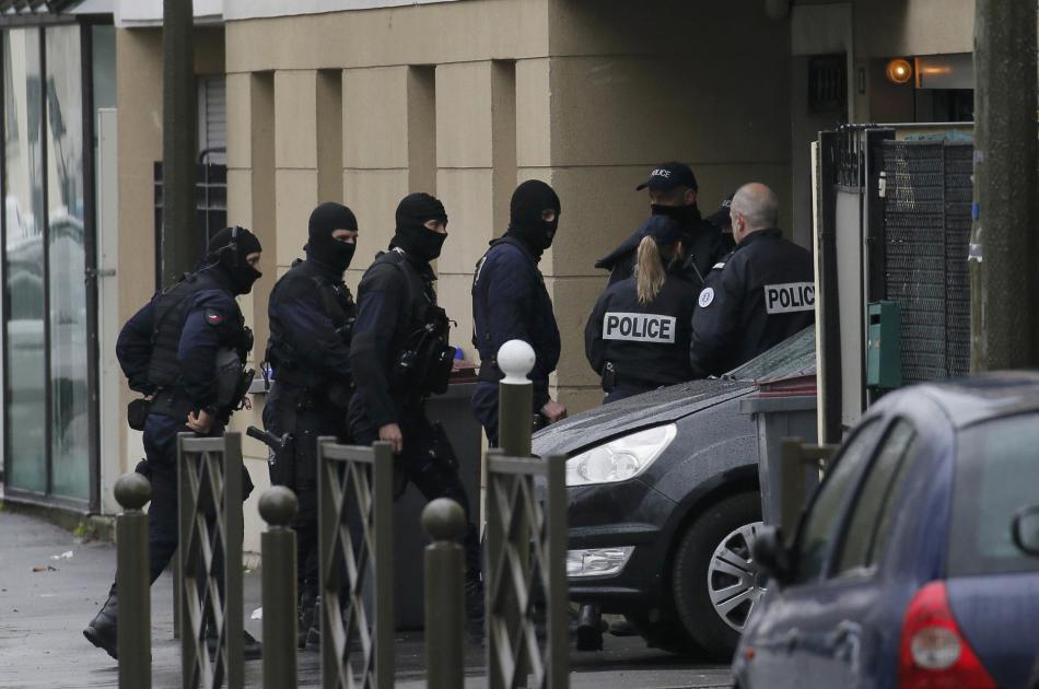 Policie na místě zásahu v Argenteuil