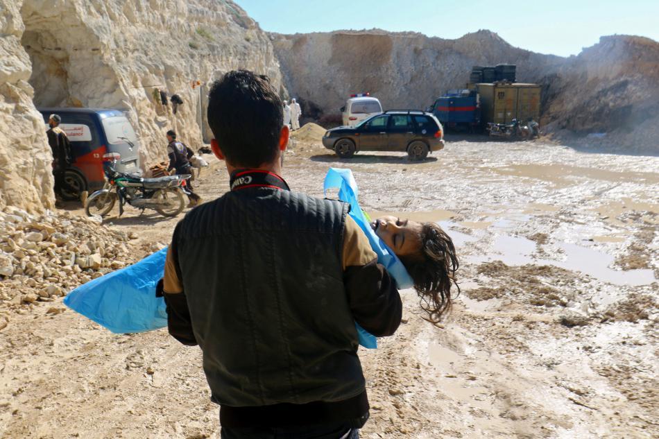 Dětská oběť údajného chemického útoku v Idlibu
