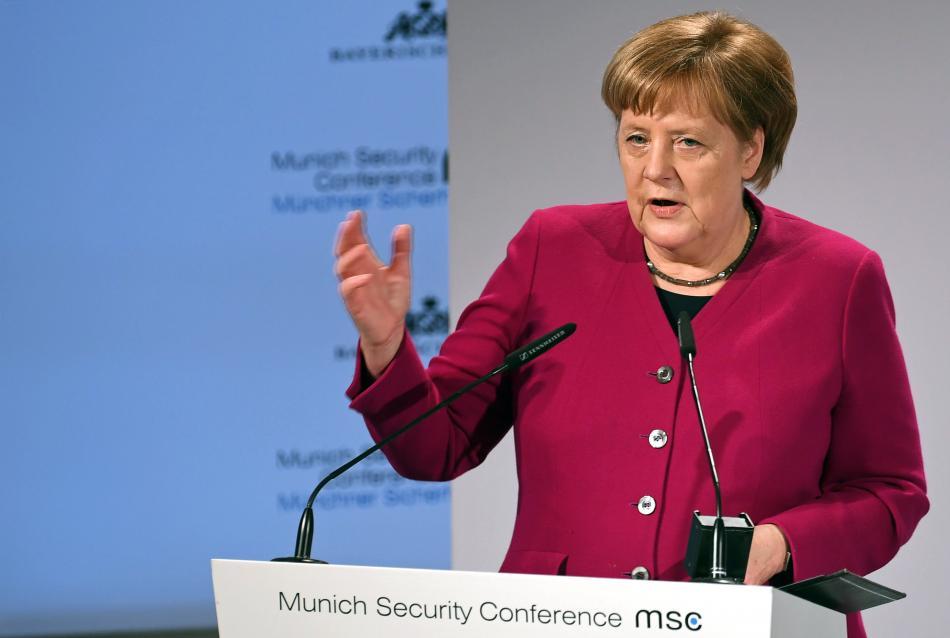 Angela Merkelová na mnichovské bezpečnostní konferenci